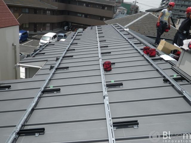 東京都足立区K(アパート)様完工致しました(金属縦ハゼ)。
